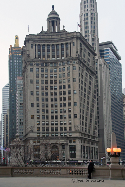 The London Guarantee Building /  85 E. Wacker Drive at North Michigan Avenue