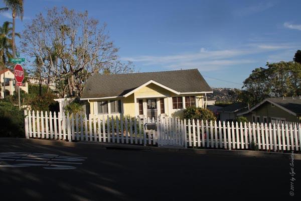 Heritage Cottage.. 495 Jasmine [1922] /  Laguna Beach, California.