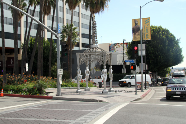 Four Ladies of Hollywood / Hollywood and La Brea Gateway