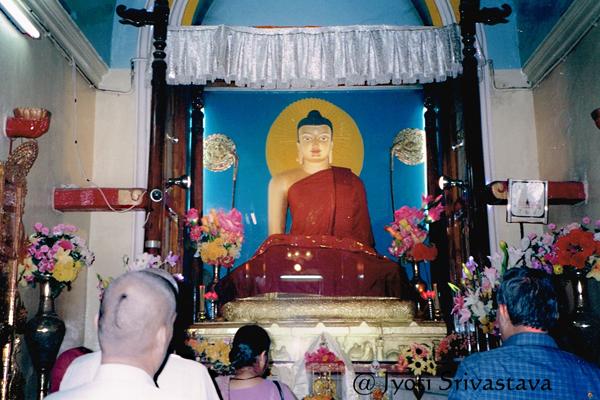 Buddha in Bhumisparsha Mudra / Mahabodhi Temple, Bodh Gaya.