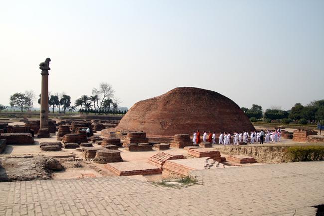 Anand Stupa and Ashokan Pillar / Kolhua, Vaishali, Bihar