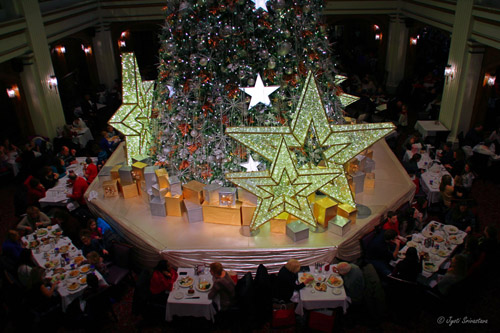 Macy's Walnut Room: the Great Tree