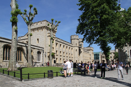 Tower of London - Waterloo Barracks - Crown Jewels