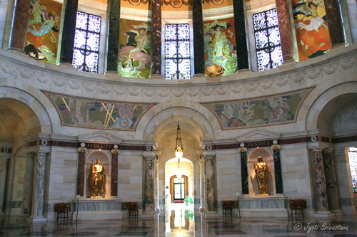Elks Memorial Rotunda - with gilded statues by James Earle Fraser