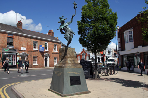 The Jester - by James Butler [On Henley Street in Stratford-Upon-Avon]