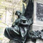 Gladstone Monument & King's Regiment