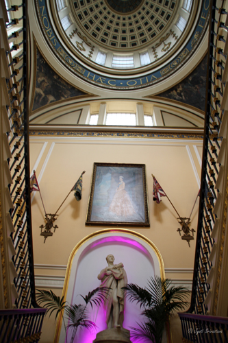 Main staircase : Statue, Painting and Dome