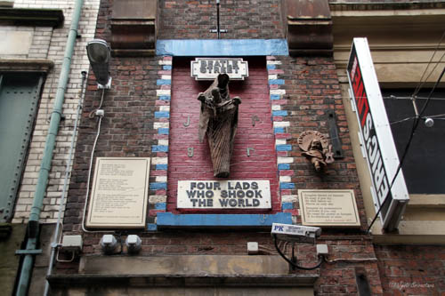Four Lads who shook the World - by Arthur Dooley