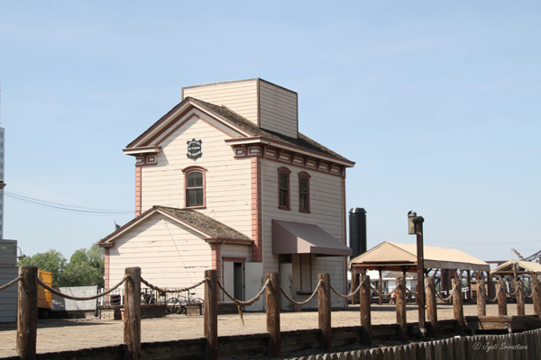 CPRR Co. California Steamer docks building