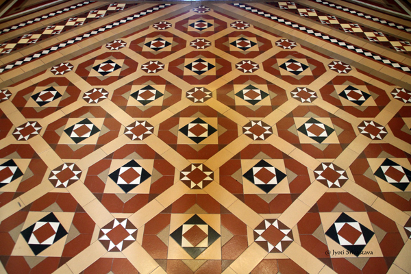 Encaustic tiles / California State Capitol