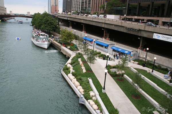 Chicago Riverwalk: Civic District