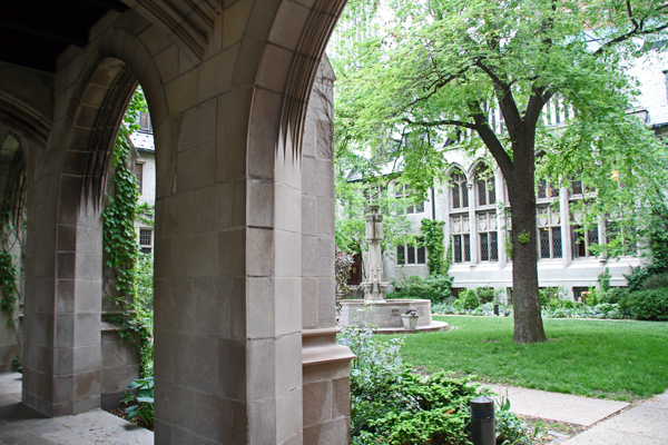 Courtyard and Parish building - Fourth Presbyterian Church