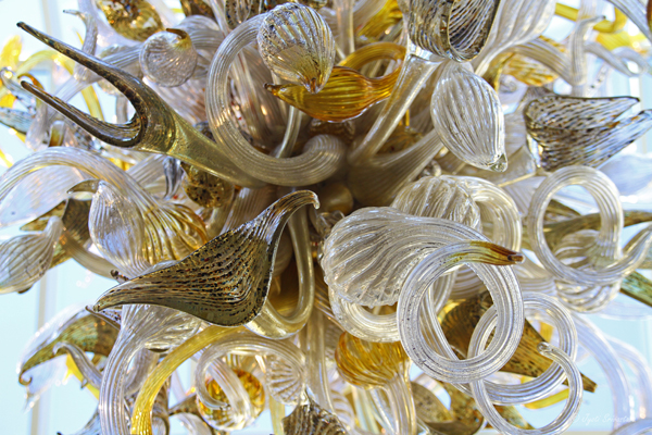 Gilded Champagne Garden Chandelier - by Dale Chihuly / Grand Atrium