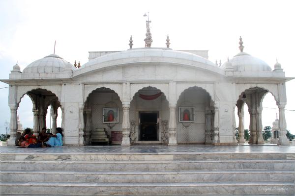 Pawapuri Water Temple