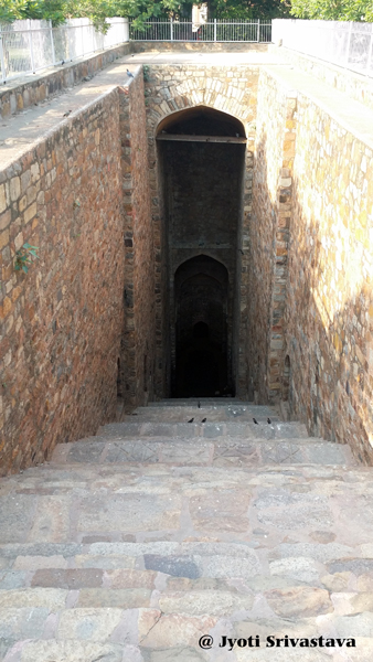 Baoli [Step Well] / Purana Qila / Delhi