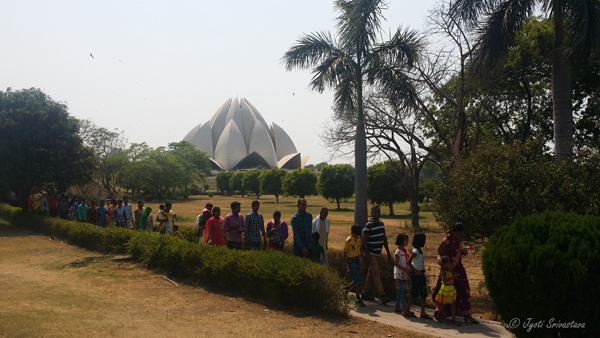 Lotus Temple / Delhi