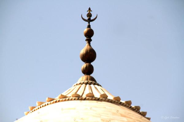 Taj Mahal: Finial