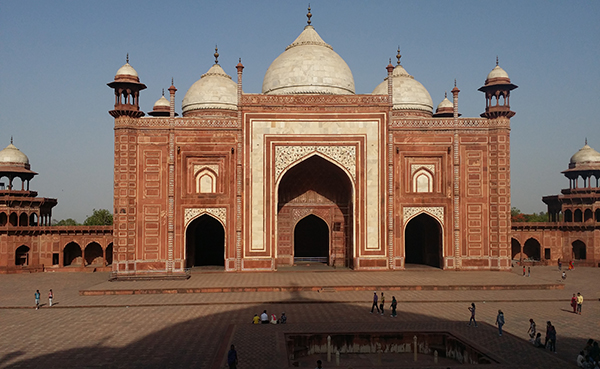 Taj Mahal: Mosque