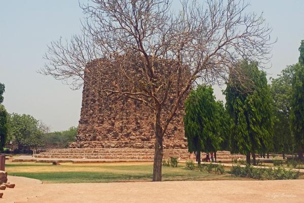 Alai Minar / Qutb Complex, Delhi.