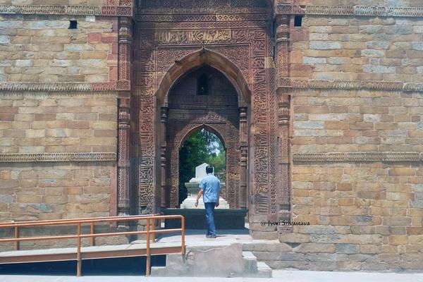 Iltutmish Tomb / Qutb Complex, Delhi.