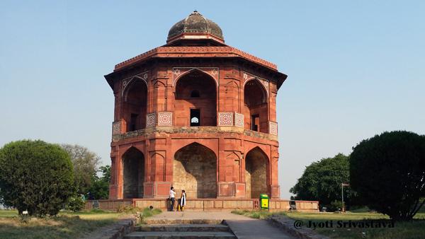 Sher Mandal at Purana Kila / Delhi