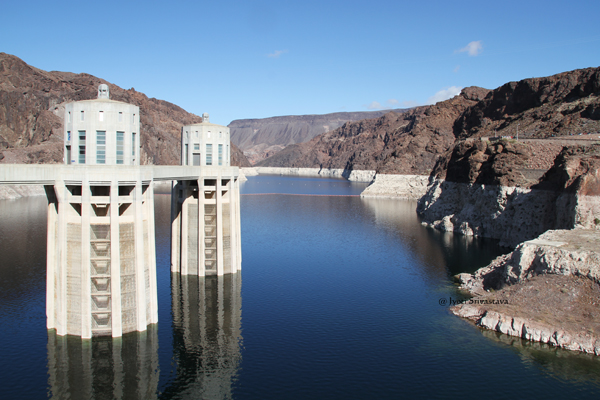 Hoover Dam: Lake Mead