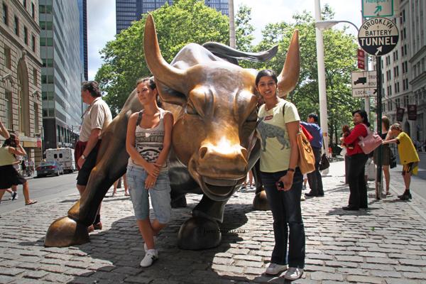 Charging Bull - by   Arturo Di Modica