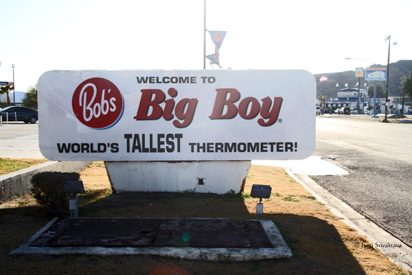 Bob's Big Boy in Baker, California / World's tallest thermometer