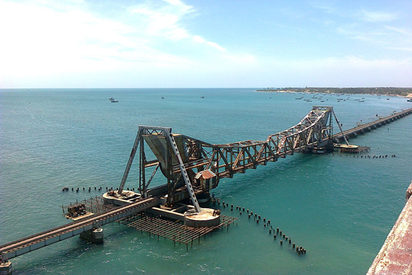 Pamban Bridge / Image by Tamil1510  via Wikimedia Commons.