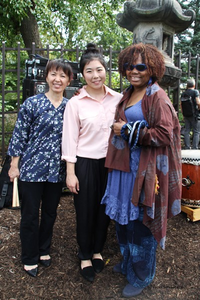 Dee Alexander and  taiko drummers of Miyumi Project