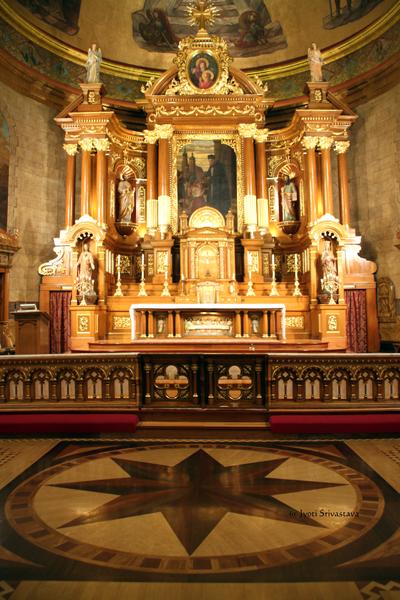 Inlaid hardwood floor / St. John Cantius Parish, Chicago
