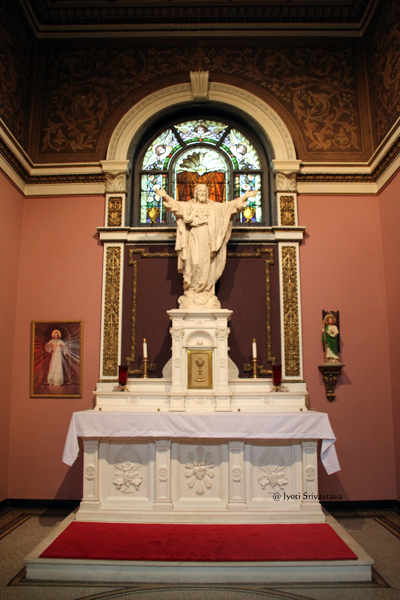 The Sacred Heart of Jesus Chapel / Our Lady of Sorrows Basilica, Chicago.