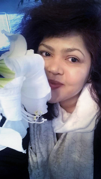 Selfie with Flower series: Amaryllis White Christmas..