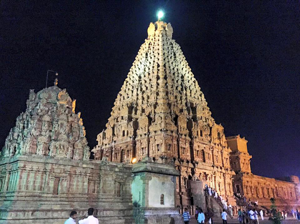 Brihadeeswarar Temple / Thanjavur, Tamil Nadu