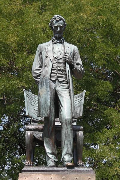 Abraham Lincoln - by Augustus Saint-Gaudens