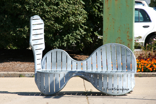 Tampa Red - by: Ted Garner / Bronzeville Benches