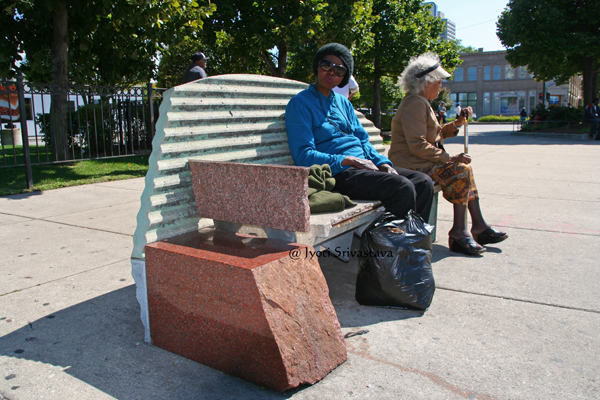 A Throne for King II - by Barry Hehemann / Bronzeville Benches