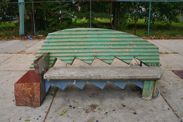 A Throne for King - by Barry Hehemann / Bronzeville Benches
