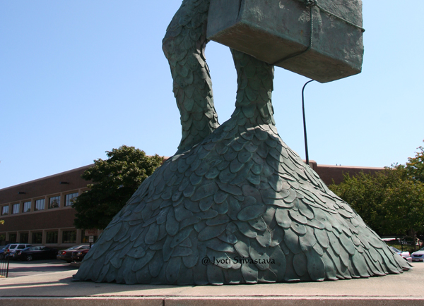 Monument to the Great Northern Migration - by Alison Saar