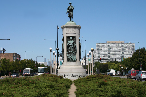 Victory Monument - by Leonard Crunelle / Designated Chicago Landmark in 1998.