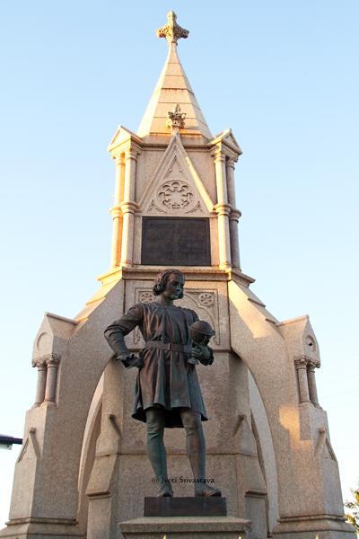 Columbus Monument / Drake Fountain - by Richard Henry Park /  Designated Chicago Landmark in 2004.