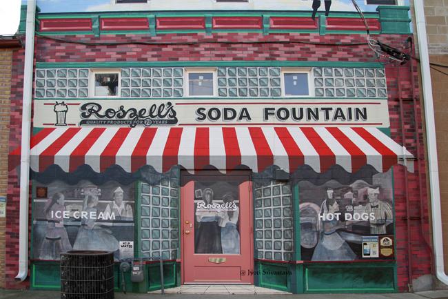 Roszell's Soda Fountain - Project Leader Rob Estes. / Mural Tour, Pontiac.