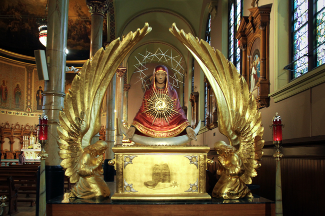 Iconic Monstrance / St. Stanislaus Kostka Roman Catholic Church