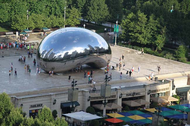 The Cloud Gate, aka The Bean - by Anish Kapoor / Millennium Park, Chicago.