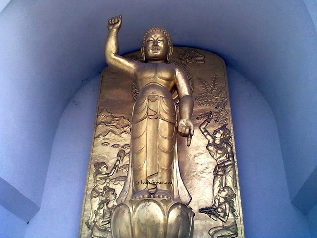 Abhaya Mudra and  Varada Mudra / World Peace Pagoda / Vaishali, Bihar.
