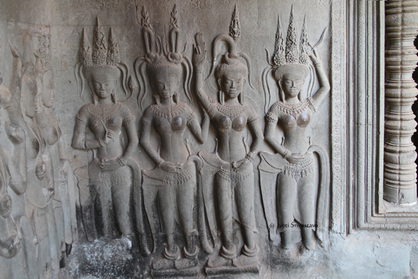 Second Level Galleries - Apsaras / Angkor Wat  / Siem Reap, Cambodia