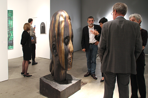 Can you spot Jaume Plensa? /  Marianna - by Jaume Plensa / Galeria Lelong / EXPO Chicago