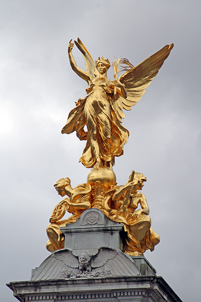 Gilded Winged Victory / Victoria Memorial - by Sir Thomas Brock