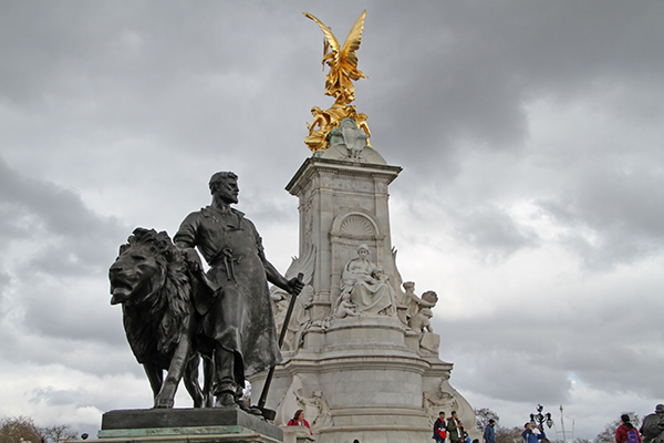 Victoria Memorial - by Sir Thomas Brock