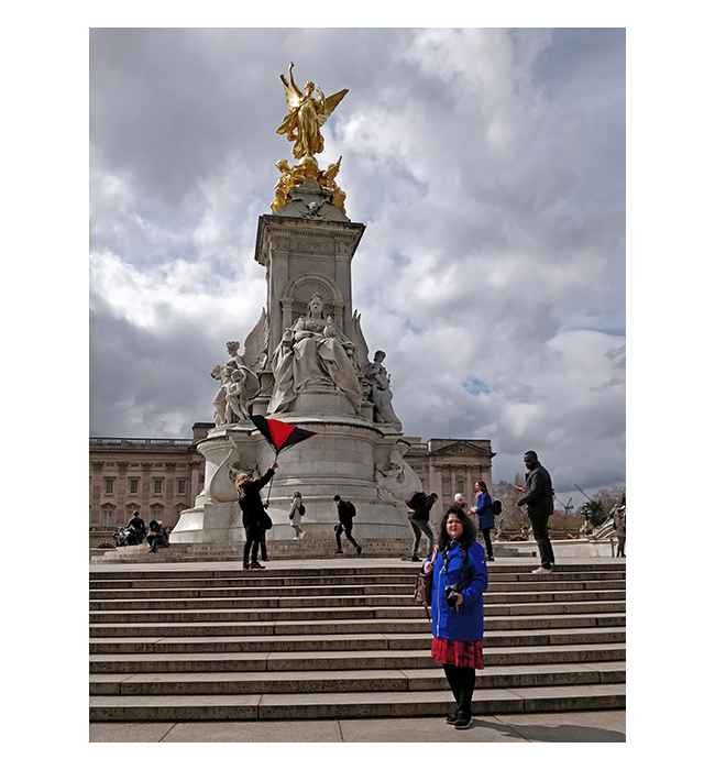 2019-London-VictoriaMonument-05